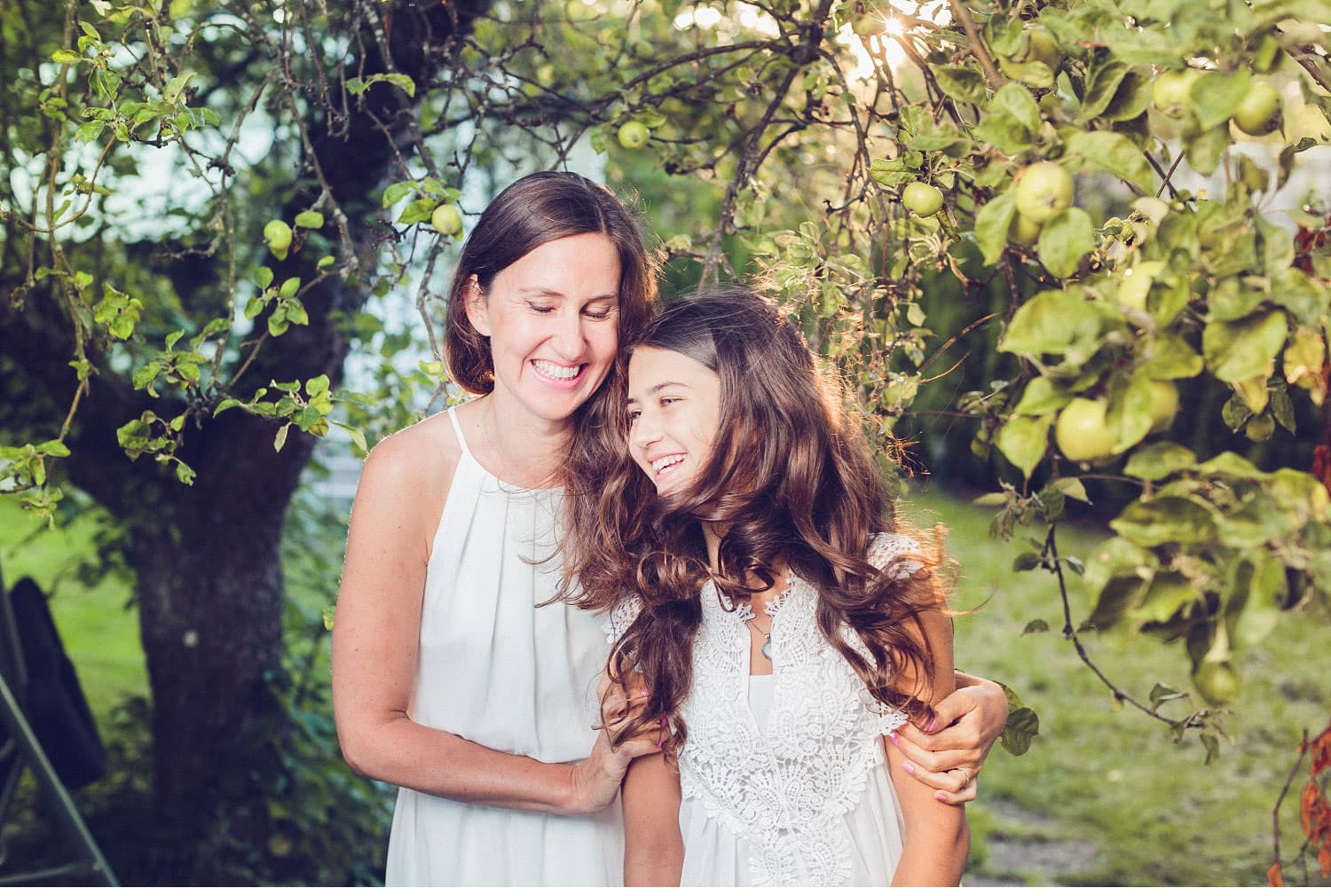 40thbirthday motherdaughter portrait 18 - Birthday girl portrait, family-session