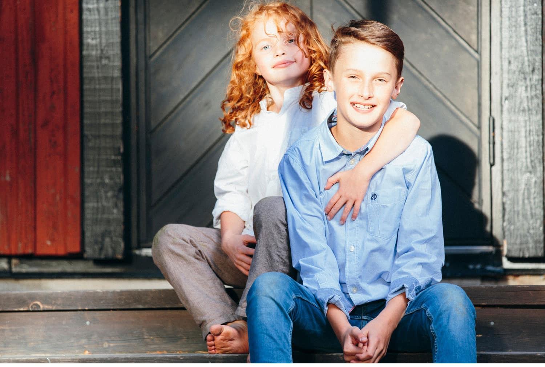 family session uppsala familjefotografering barn sweden kerrouphotography 16 - Loving family portrait, family-session