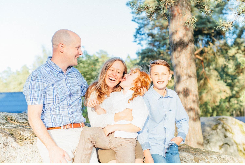 family session uppsala familjefotografering barn sweden kerrouphotography 20 - Loving family portrait, family-session