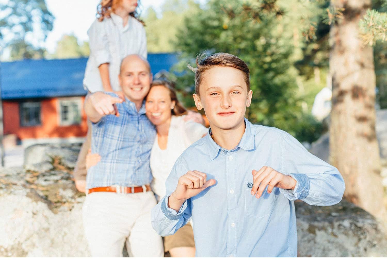 family session uppsala familjefotografering barn sweden kerrouphotography 22 - Loving family portrait, family-session