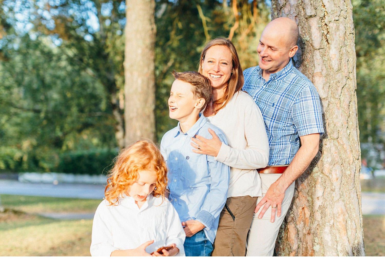 family session uppsala familjefotografering barn sweden kerrouphotography 36 - Loving family portrait, family-session