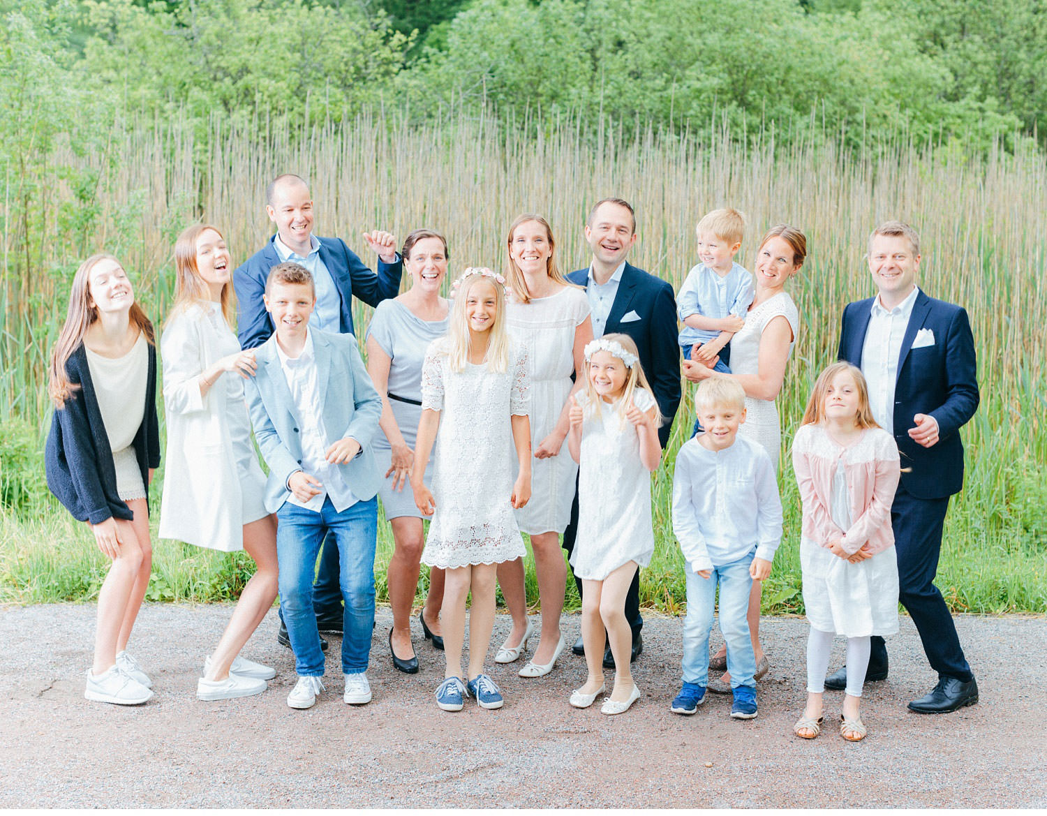 lena liljestr  m family 34 - 3 families, 1 big family portrait, family-session