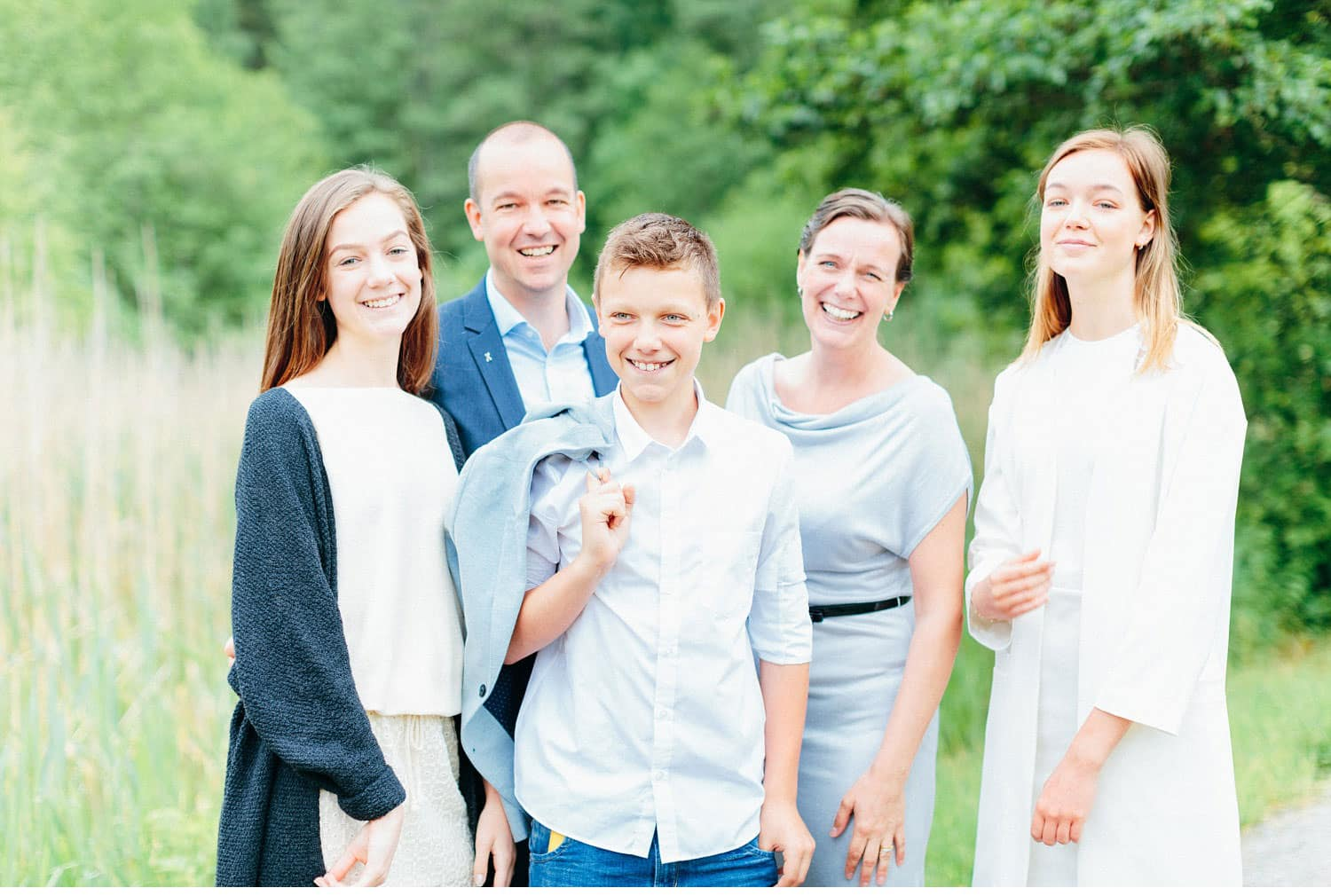 lena liljestr  m family 67 - 3 families, 1 big family portrait, family-session