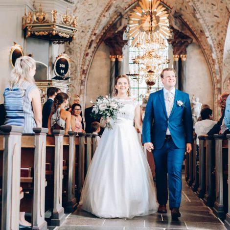 sabina marten wedding kerrou photography kyrka gifta o3slzlipp9hbwyhokxacl78eqr3uxedqvumfmzqwv0 - Bröllopsvideograf i Sverige